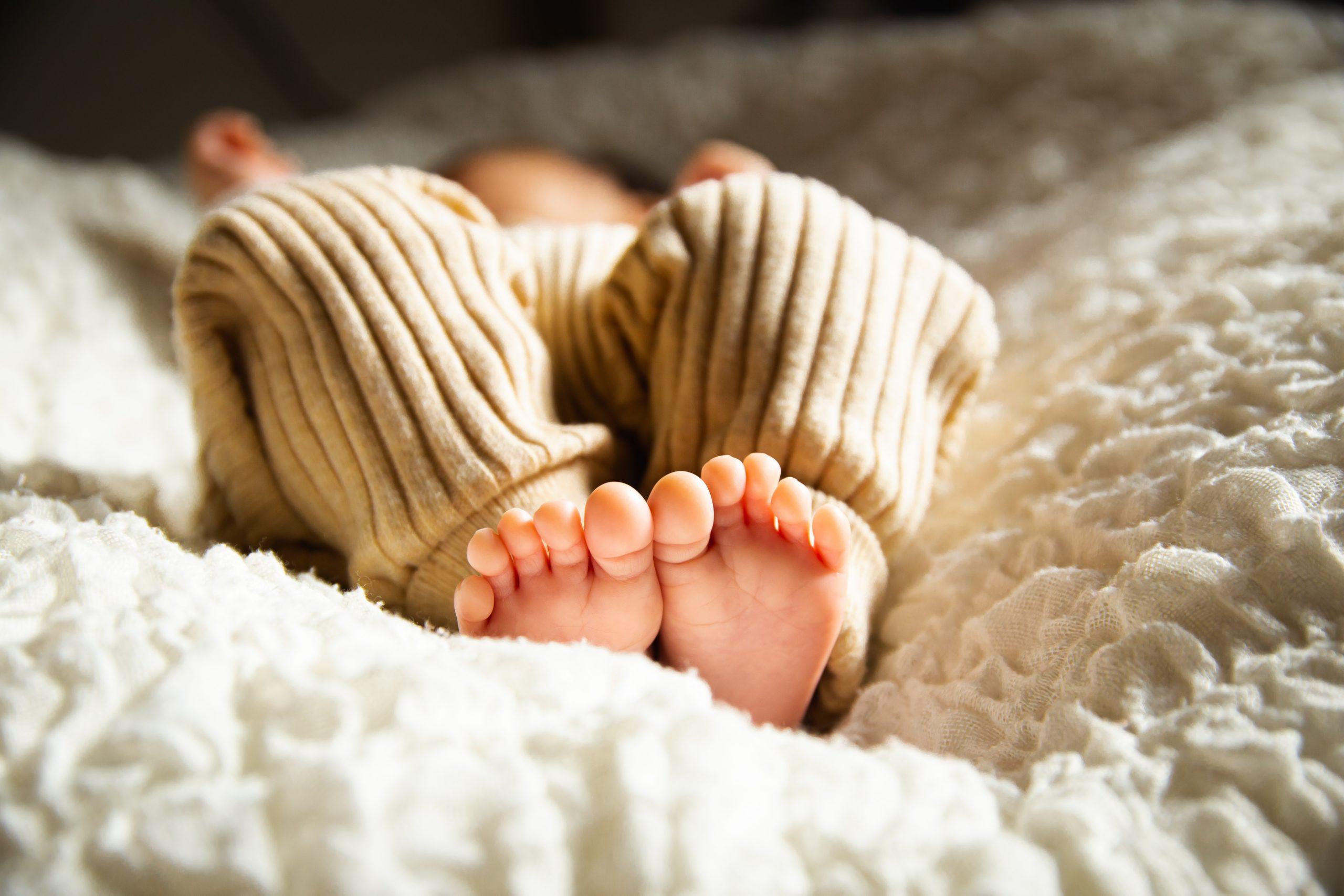 bebe allonge sans couche la nuit